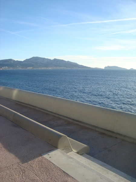 vue mer,marseille,corniche marseille,balades,jardin,palmier