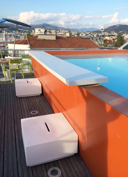 Rooftop Pool / via Lejardindeclaire