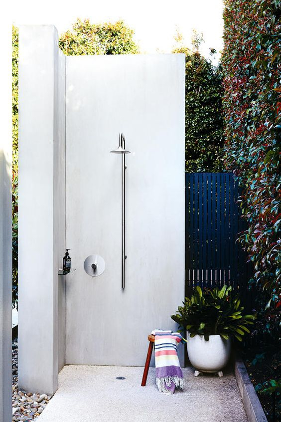 Outdoor shower / Blog Lejardindeclaire