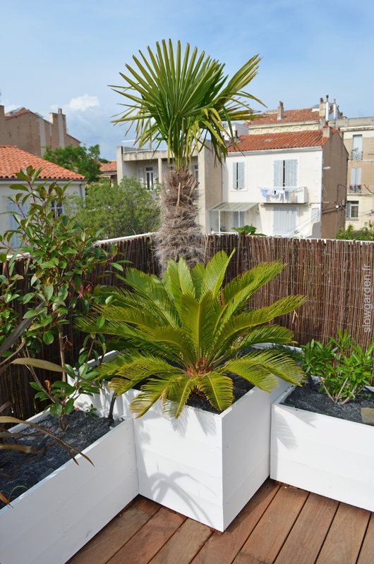 Rooftop containers by Slowgarden / Marseille