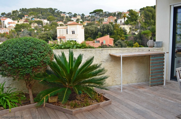 Outdoor bar by Slowgarden / Marseille, Provence