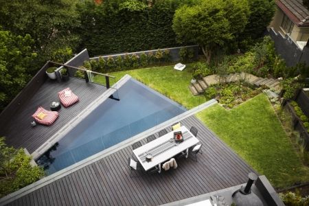 Piscine triangle / Via Lejardindeclaire